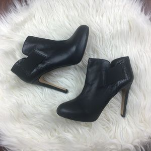 Vince Camuto Black Arianah Boot Size 7.5